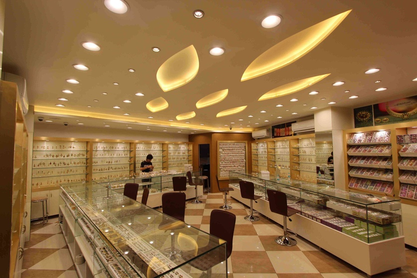 Dgs fashion jewellery showroom by atul kumar singla for Jewellery showroom interior design images
