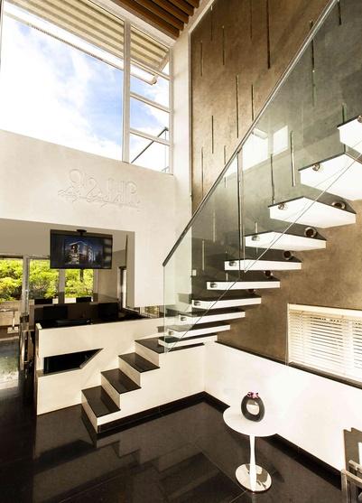 teamwork office by teamwork architects n interior designers rh zingyhomes com
