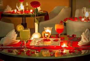 Candle light dinner valentine day gift ideas