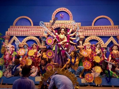 Img src: https://updateox.com/festivals/top-durga-puja-pandal-and-protima-in-durgapur-2016/