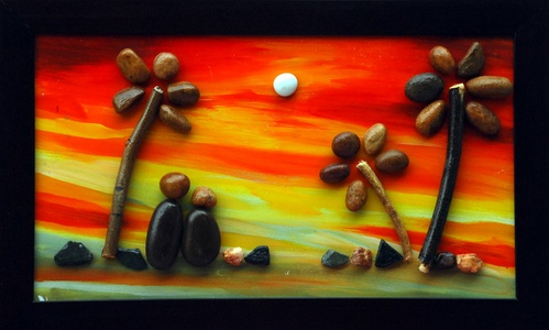 Natural Pebble Stone Art – Couple Watching Sunrise