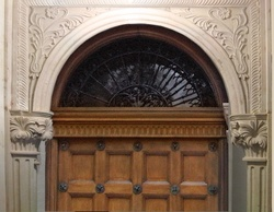 Customized arch for door