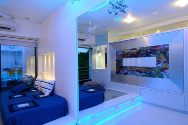 Modern Bedroom with a Large Mirror