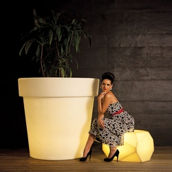 Eloisa 120 Illuminated Planters