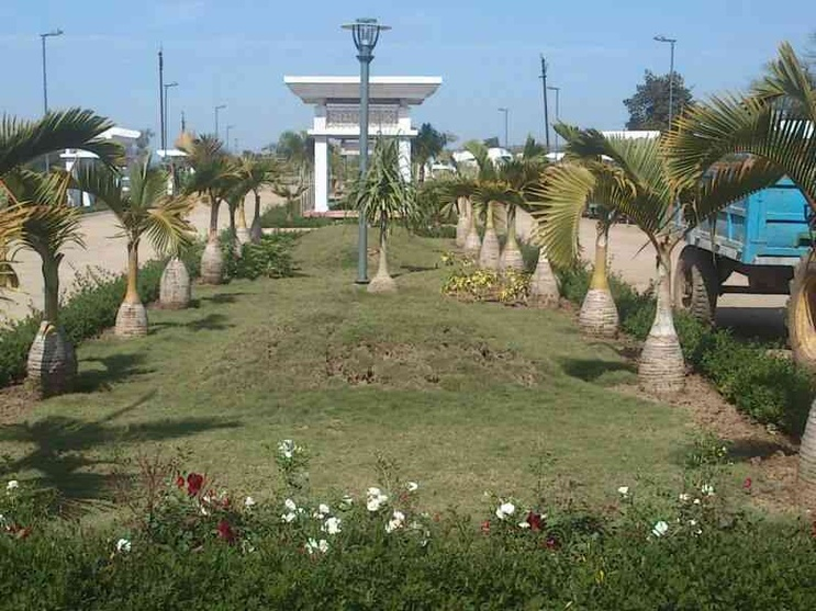 landscaped central divider main road