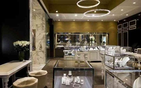 Jewellery Showroom Needs Glamour Security Illumination Display And Lots Of Reflection Keeping In