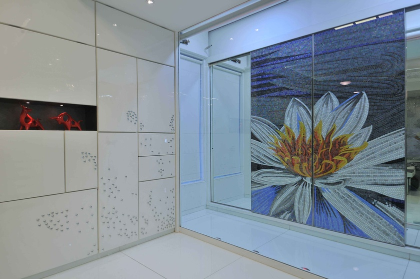 Sunflower Sliding Wardrobe in Blue Light