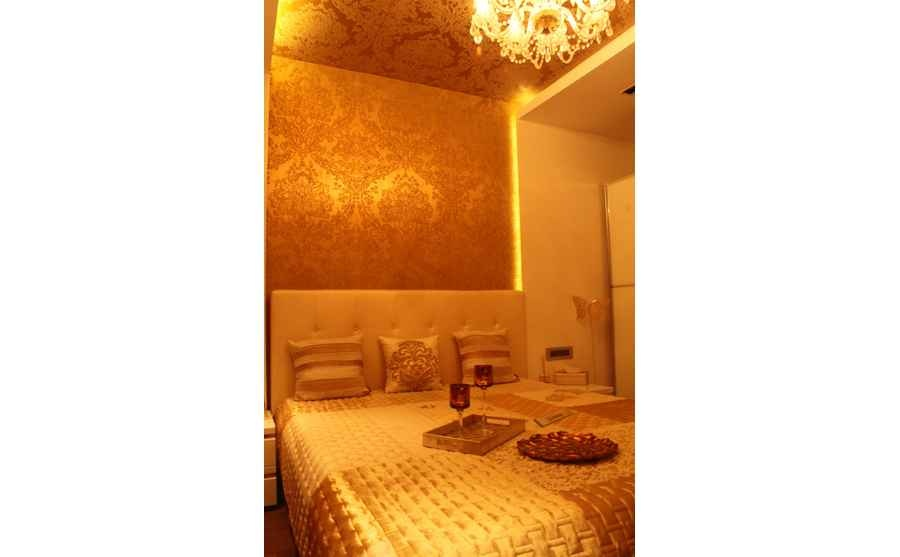 Guest Room in Shades of Copper and Gold