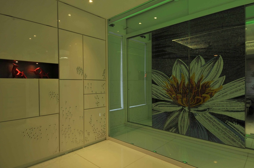 Sunflower Wardrobe in Green Light
