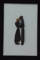 Natural Pebble Stone Art – A Couple Kissing Art