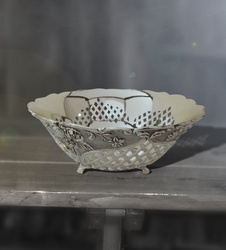 Fruit Bowl with Flower and Cut Work (Big)