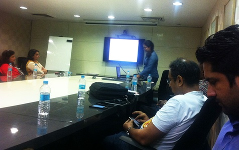 ZingyHomes' Nivedita making a presentation at ZingyDesign Meetup.