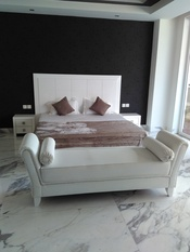 Bed with checkers tiles in White High Gloss