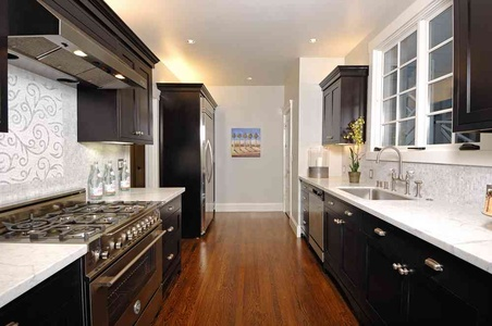 Kitchen design with black and white colour
