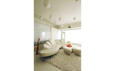 Modern White Living Room with Leather Sofas