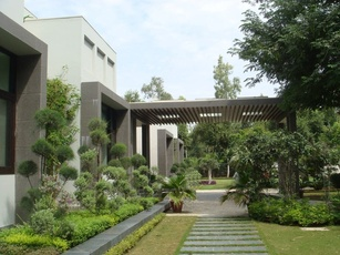 The Garden landscape Design by Architect: Pinky Pandit