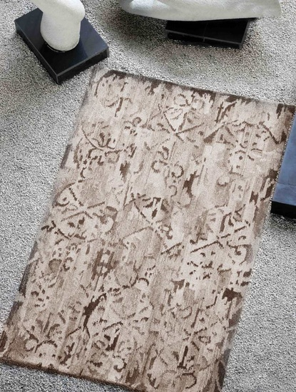 Amur Hand-tufted, Antique Style, Undyed Rugs