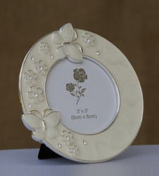 Photo Frame with Round Butterfly Border