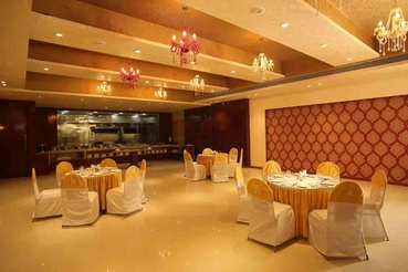 Banquet hall designs interiors banquet hall interior for Banquet hall designs layout