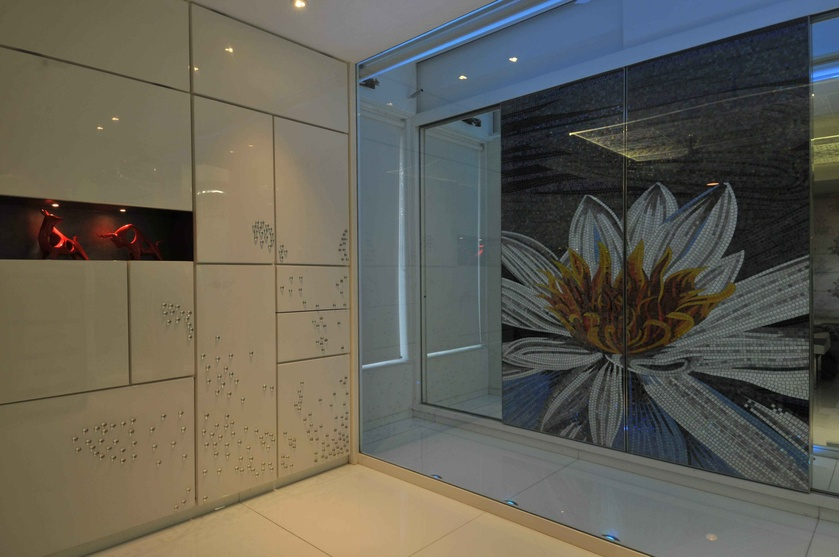Mirrored Wardrobe with Sunflower Graphics