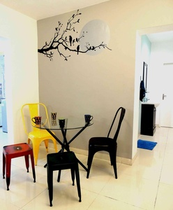 A simple n trendy wall sticker. . .
