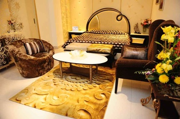 Gold Theme Traditional Bedroom Interiors
