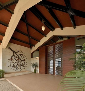 Entrance Area with Hut Shaped Ceiling