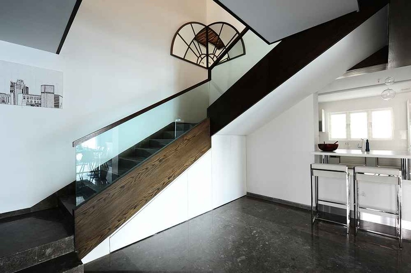 Modern Staircase Decor