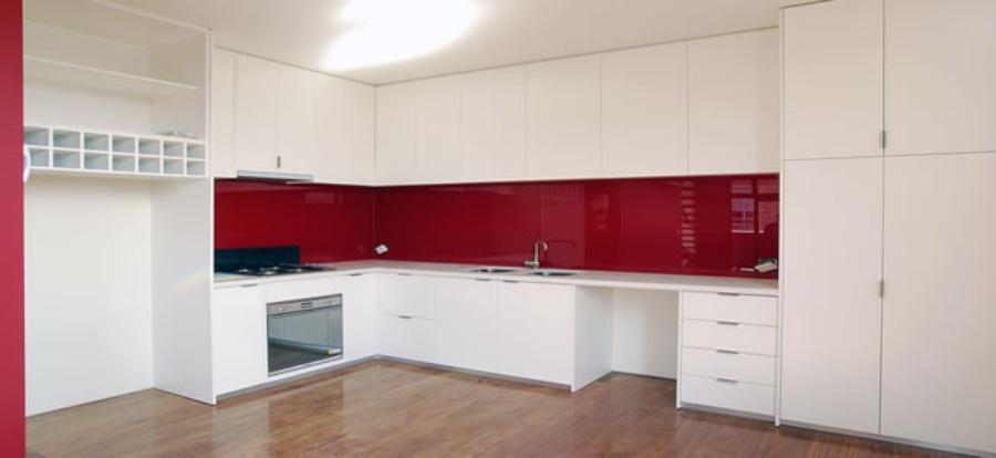 & Glass Splashbacks for Kitchens \u2013 Advantages Benefits Reviews