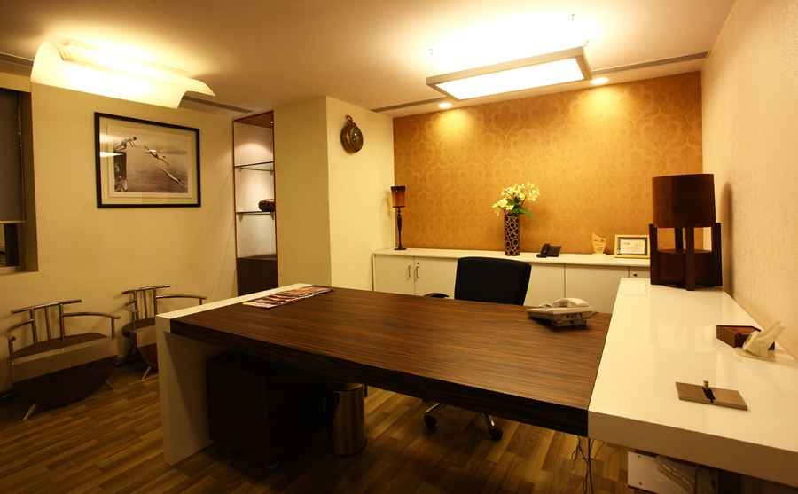 Rna head office mumbai by shahen mistry interior for Small office cabin interior design ideas