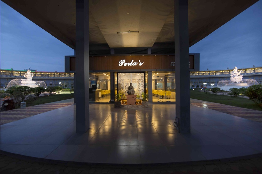 Perla S Food Court By Ark Architects Interior Designers Architect In Visakhapatnam Andhra Pradesh India
