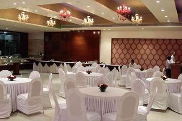 Banquet hall designs interiors banquet hall interior for Banquet hall ceiling designs