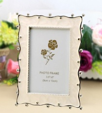 Photo Frame Crystals on the Border