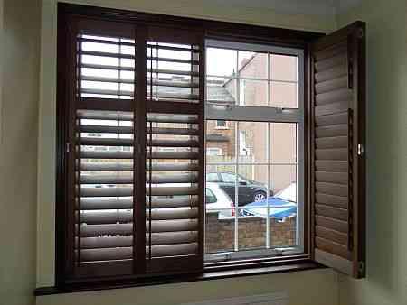 interior design glass walls in homes india glass walls. Black Bedroom Furniture Sets. Home Design Ideas